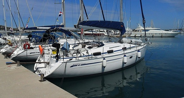 Bavaria 37 Cruiser - Aquaholic